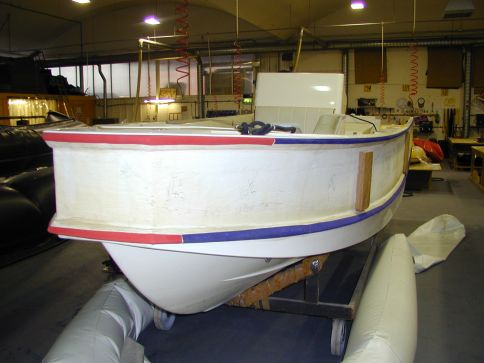 Glued on D shaped hull